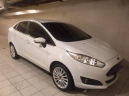 Ford New Fiesta sedã Titanium Plus 16 com GNV