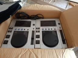 CDJ Pionner 100S par acompanha mixer