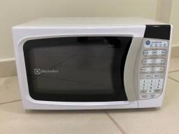 Micro-ondas Eletrolux - 20 Litros (novíssimo)