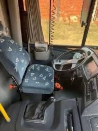 Micro ônibus rodoviário Neobus