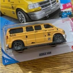 Hot Wheels - Dodge Van - MoonEyes - GTB84