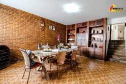 Título do anúncio: Casa Residencial à venda, 4 quartos, 1 suíte, 4 vagas, Centro - Divinópolis/MG