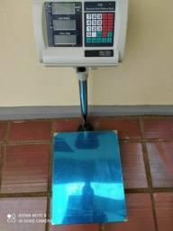 Título do anúncio: Balança digital plataforma 150 kg Luz bivolt e bateria