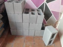 Vendo 25 blocos novos