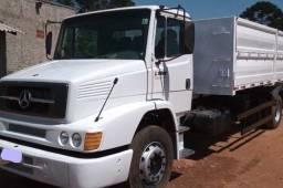Caminhão MB1318 Caçamba