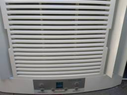 Título do anúncio: Vendo ar condicionado Eletrolux de 10.000 BTUs.