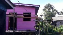 Vendo uma casa em area de ressaca em municipio de santana