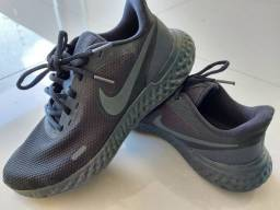 Título do anúncio: Tenis Nike preto