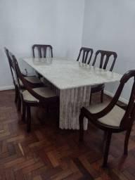 Mesa de Jantar em Mármore com 6 cadeiras- retirada no Menino Deus
