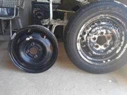 Vendo duas rodas uma aro 13 E a outra de 14 a de 14 está com peneu 999032176