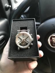 Relógio automático 270,00
