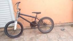 Bicicleta bmx semi nova
