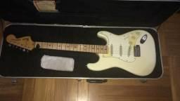 Fender Stratocaster 1977 Olimpic White Vintage Original