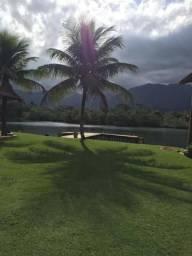 Casa temporada angra (deck, área gourmet, praia no condomínio, acesso por terra e mar)