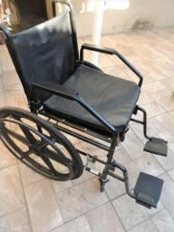 Vendo cadeira de rodas pouco usada - 300