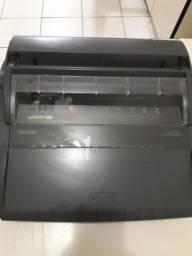 Máquina de escrever elétrica marca brother