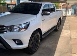 Toyota Hillux Cd Srv 4X4 2018 Facilito compra
