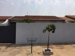 8447   Casa para alugar com 3 quartos em Conjunto Café, Londrina