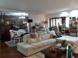 Sta Tereza, Duplex finamente decorado-4 quartos, 3 suítes, varandão