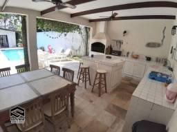 Oportunidade! Ampla casa 07 dorms com Piscina e Área Gourmet, apenas 2 quadras da praia!!!