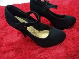 Vendo sapatos e roupas