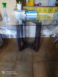 Vendo mesa incluindo 4 cadeiras superconservadas