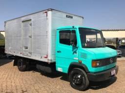 M. Benz 710 bau 2001