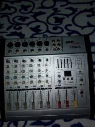 Mesa de som amplificada