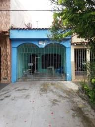 Casa térrea na Tv. Manoel Evaristo, próx. ao Formosa