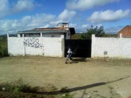 casa com terreno murado,