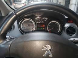 Peugeot ano 2012 sedan muito novo