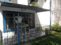 Casa Residencial no Bairro CASTELANEA