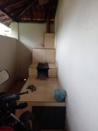 Casa com Terreno 300 metros no Centro de Marmelópolis/MG
