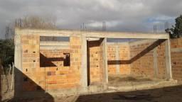 Vendo terreno com construção
