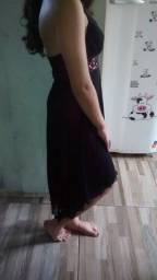 Vestido preto com forro rosa