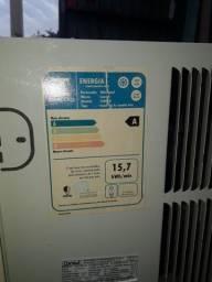 Título do anúncio: Ar condicionado cônsul de janela baixo consumo pra vender...