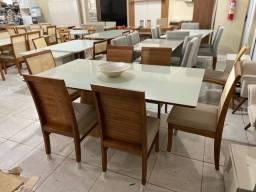 Título do anúncio: Mesa de jantar madeira e acabamento laka