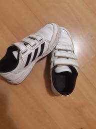 Tênis Adidas 33