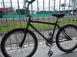 Bicicleta com peças Nova só falta pintura no quadro