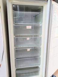 Título do anúncio: Vendo Freezer Vertical Consul