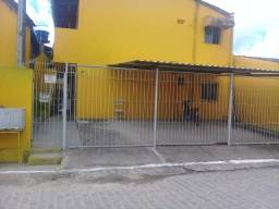 Título do anúncio: Alugo uma casa  no 1 andar (centro de Cruz de Rebouças). Excelente localização!