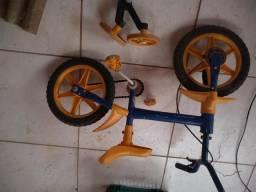 Bicicleta infantil pequena