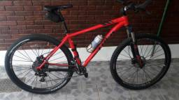 a1feb324043 Bicicleta Trek xcaliber 8 - tamanho 19 - aro 29 - 11V Sran XX01