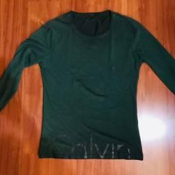 Camiseta Calvin Klein manga longa tamanho P