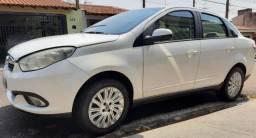 Fiat Grand Siena 1.6 16v Essence Flex 4p - 2014