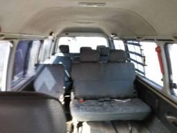 Van H 100 2001 Gls 16 lugares