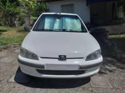 Peugeot 106 4p , 1.0 , básico 15km/lt