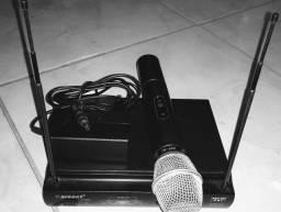 Microfone sem fio.