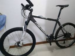 Bicicleta Merida TFS 300, Rockshox, câmbio XT