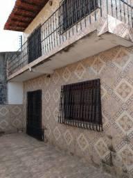 Casa duplex com 2 suítes e 4 quartos no Novo Cohatrac